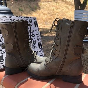 COMBAT BOOTS! Only worn once